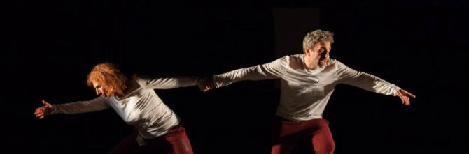 Delirio di Nicola Alberto Orofino, con Alice Ferlito e Francesco Bernava, porta in scena la difficoltà di comunicazione