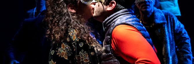 Romeo q Giulietta, al Teatro Brancati arriva la pièce diretta e adattata da Francesca Ferro che trasporta la storia d'amore più celebre di tutti i tempi in una città siciliana